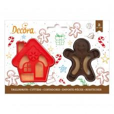 Sausainių formelės namas ir imbierinis žmogeliukas